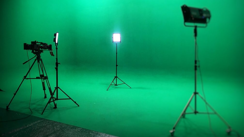 Doleep-Studios-videocamera-and-led-lights-ready-for-video-production